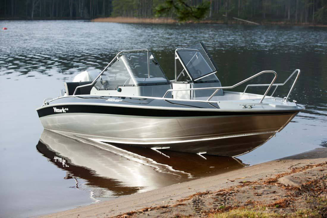 Моторные лодки для рыбалки и прогулок